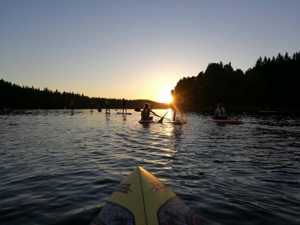 Evo Outdoors Finland suppailua järvellä3
